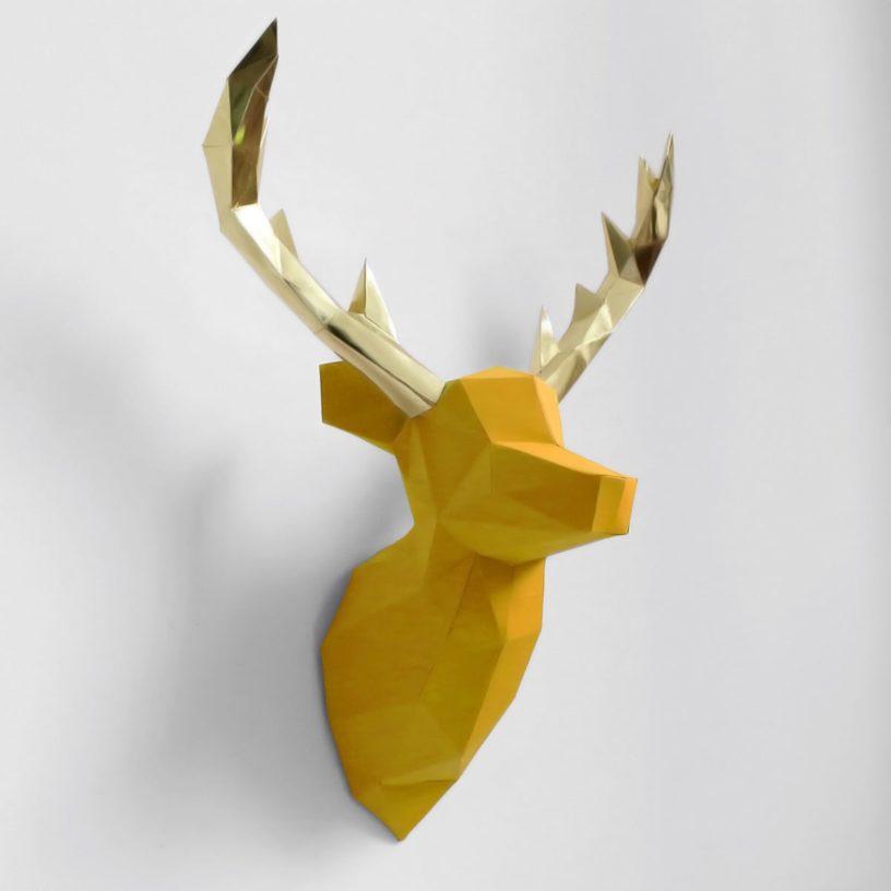 cervo amarelo dourado
