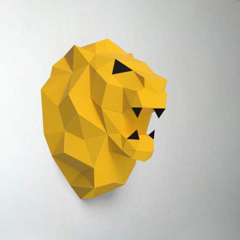 leão amarelo e preto