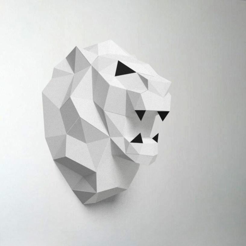 leão branco com preto