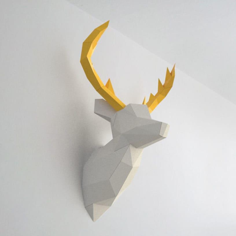 cervo branco amarelo