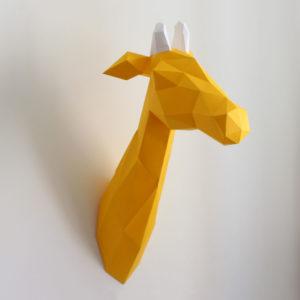 girafa amarela branca