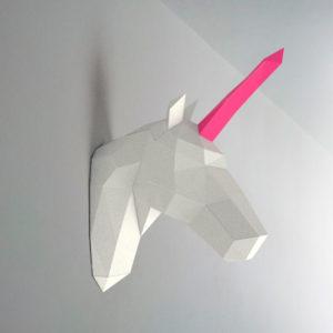 Unicórnio branco rosa