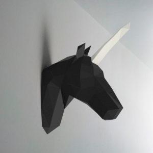 Unicórnio preto branco