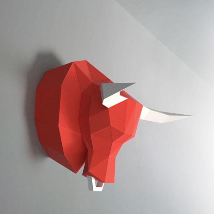 Touro vermelho e branco