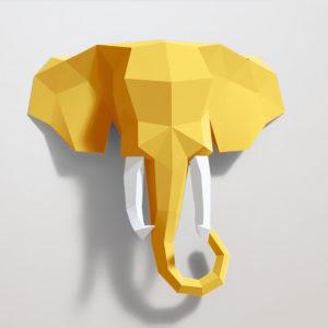 Elefante amarelo e branco