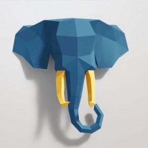 Elefante azul e amarelo