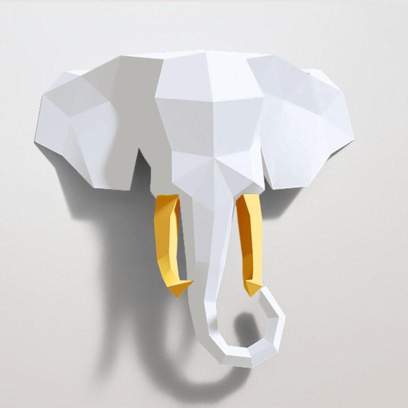 Elefante branco e amarelo