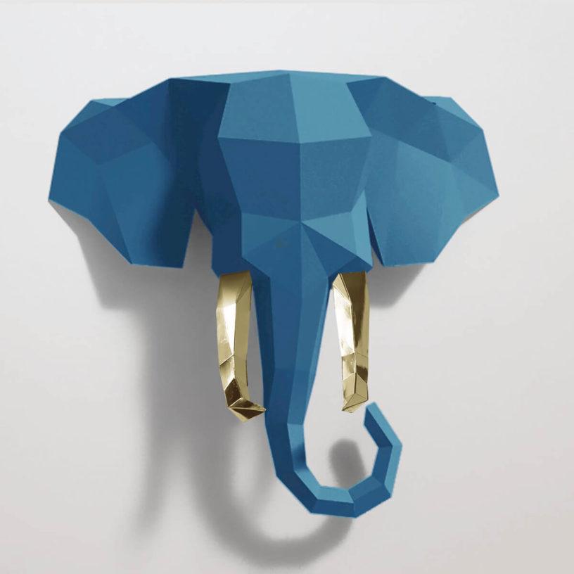 Elefante azul e dourado