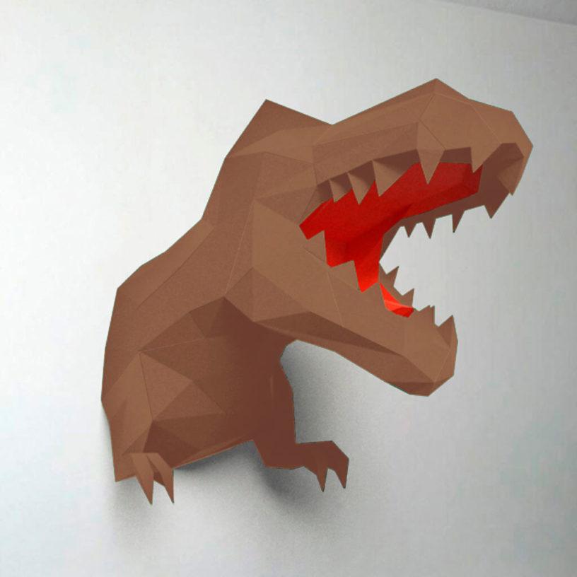 Dinossauro marrom e vermelho