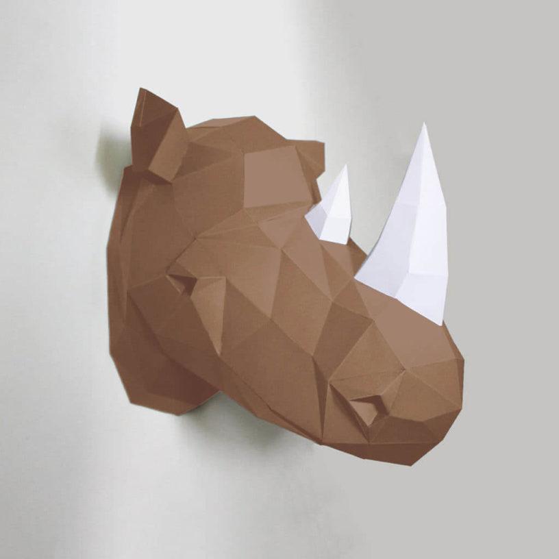 Rinoceronte marrom e branco