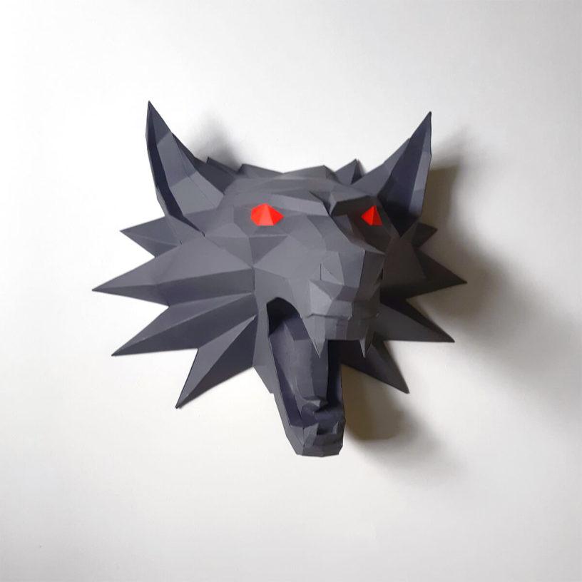 lobo cinza dos olhos vermelhos