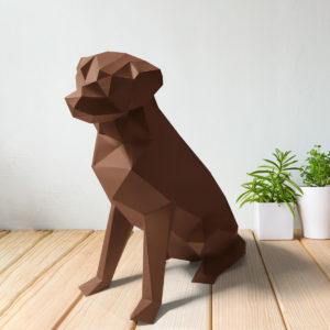 Cachorro labrador marrom